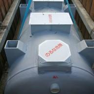 浄化槽設置施工手順の紹介-6:浄化槽本体据え付け その3